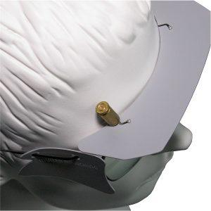 Das Stirnschild schützt besonders dicht vor Hülsen.