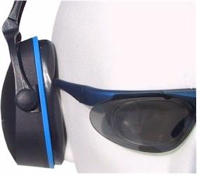 Kunststoffbügel sind oft nicht anpassbar und beeinträchtigen den Schallschutz.