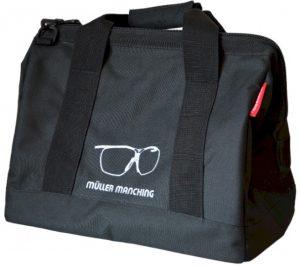 Praktische Tasche für die Ausrüstung und die Dynamik-Schießbrille