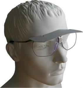 Stirnschild an der Dynamik-Brille